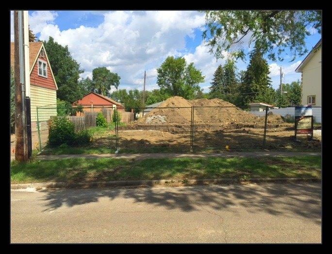 infill-lot-fence-custom-home-build-canterbury-homes